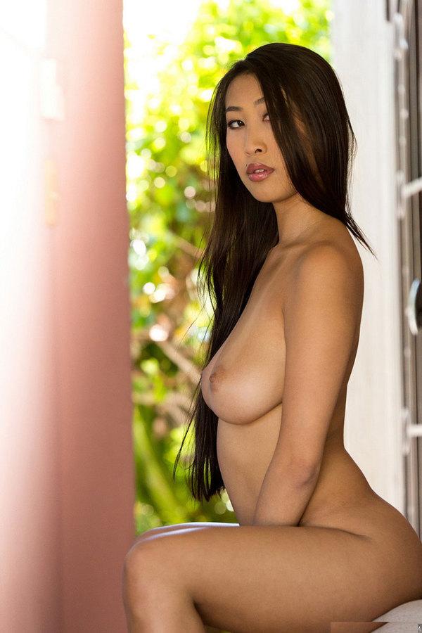 для лучшие голые азиатки таня рукой