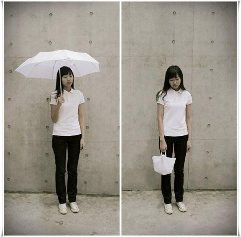 şemsiye olan çanta